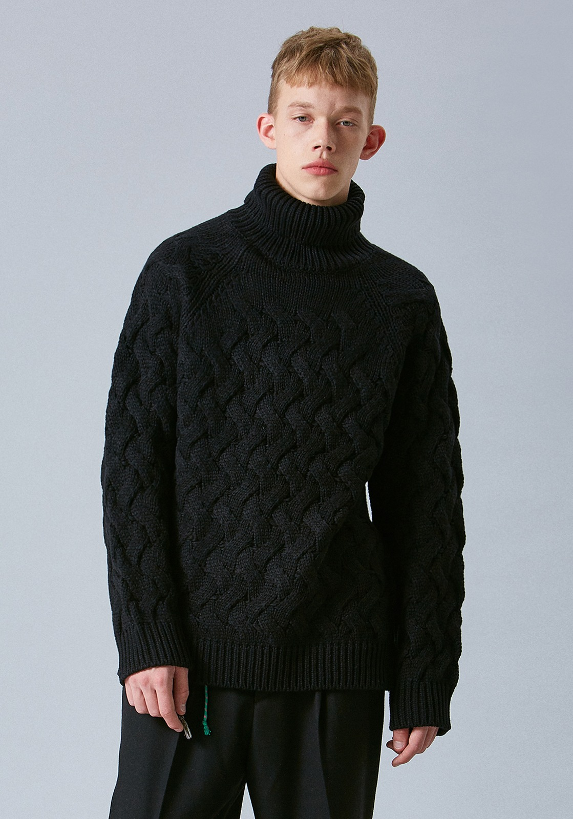V555 WAVE WOOL TURTLENECK KNIT  BLACK