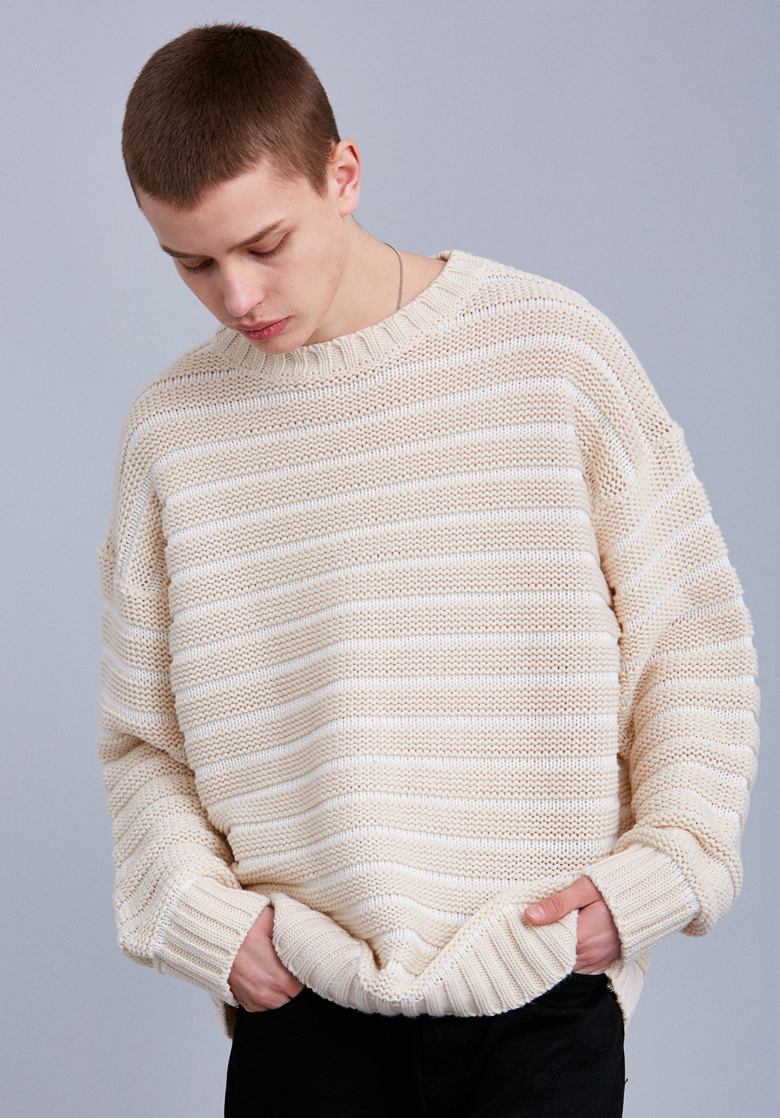 V561 EMBO STRIPE KNIT  BEIGE