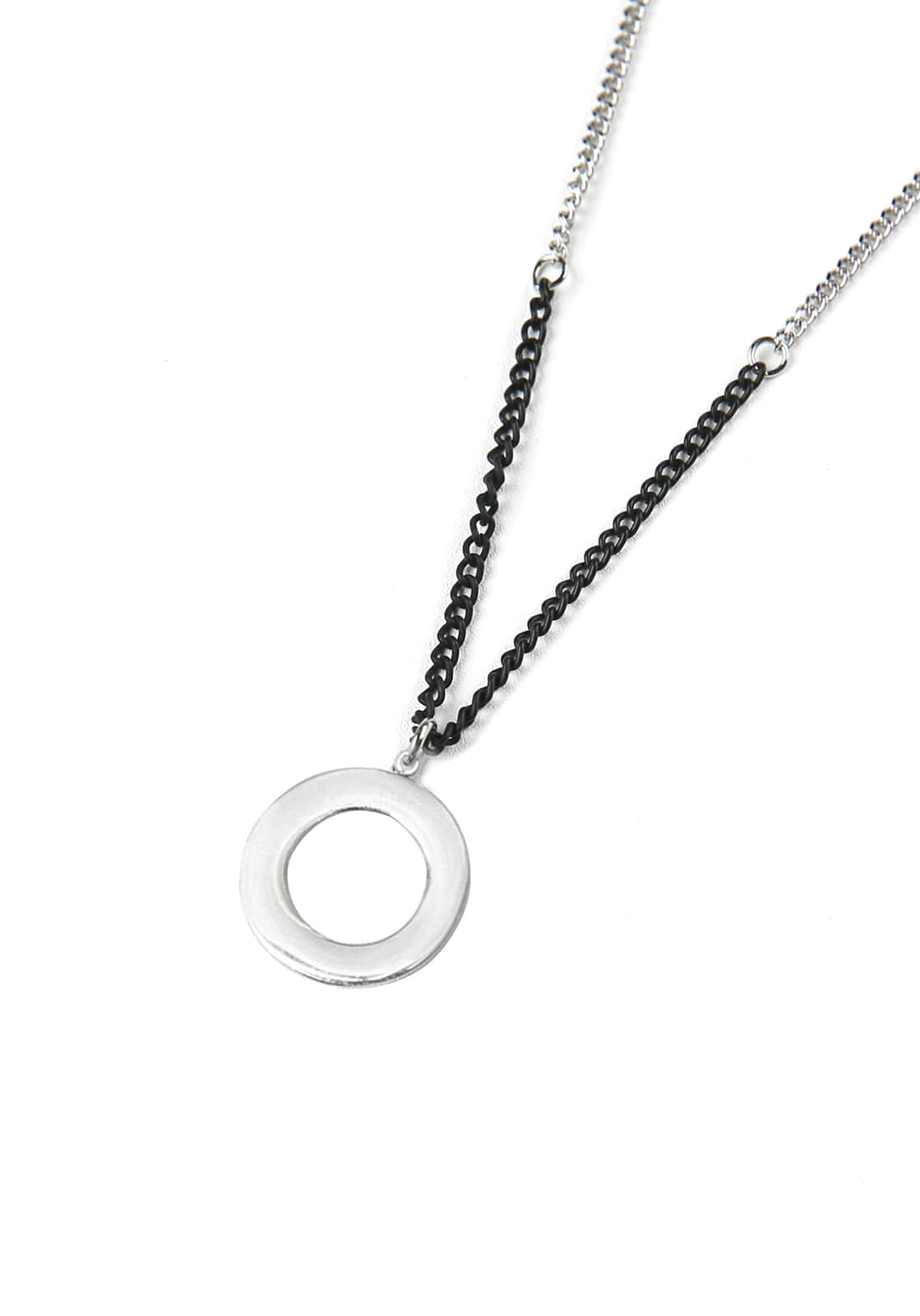 V829 CIRCLE NECKLACE  SLIVER