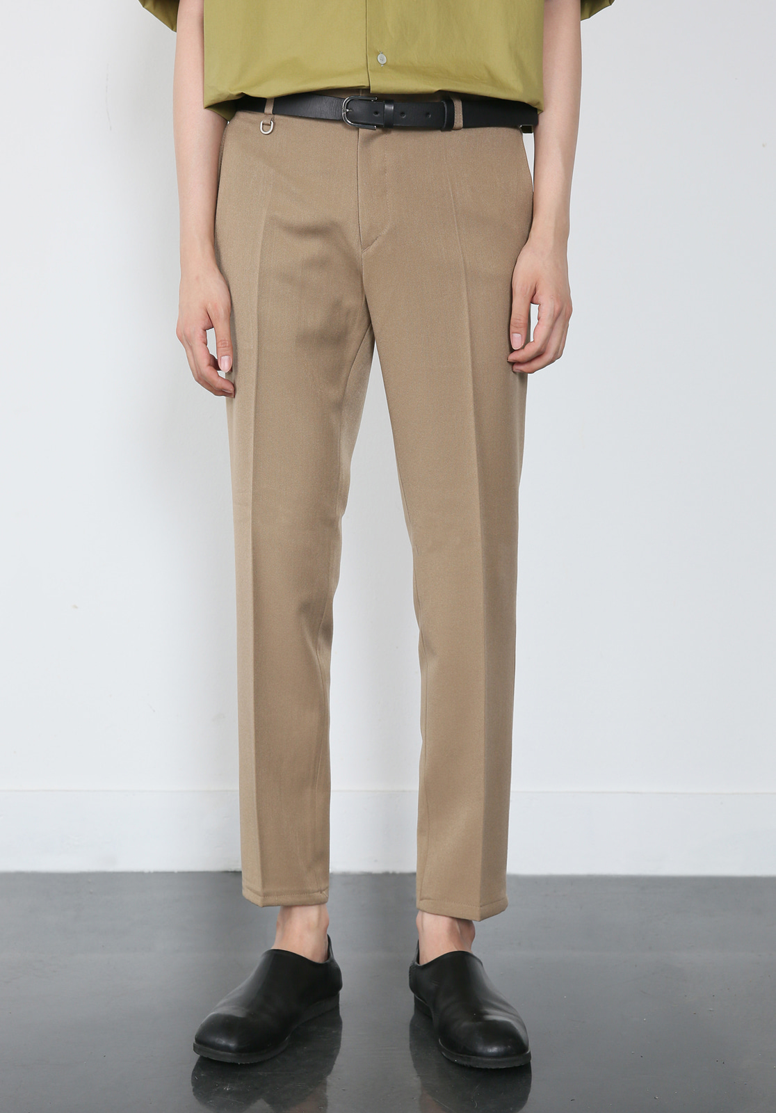 V280 PROUD CROP SLACKS  BEIGE