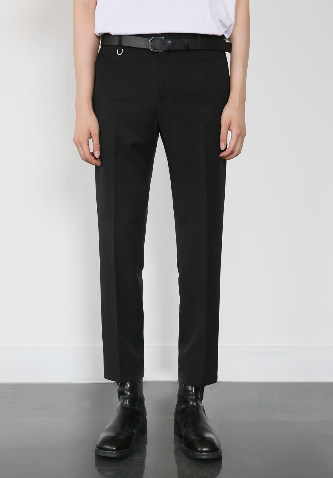 V280 PROUD CROP SLACKS  BLACK