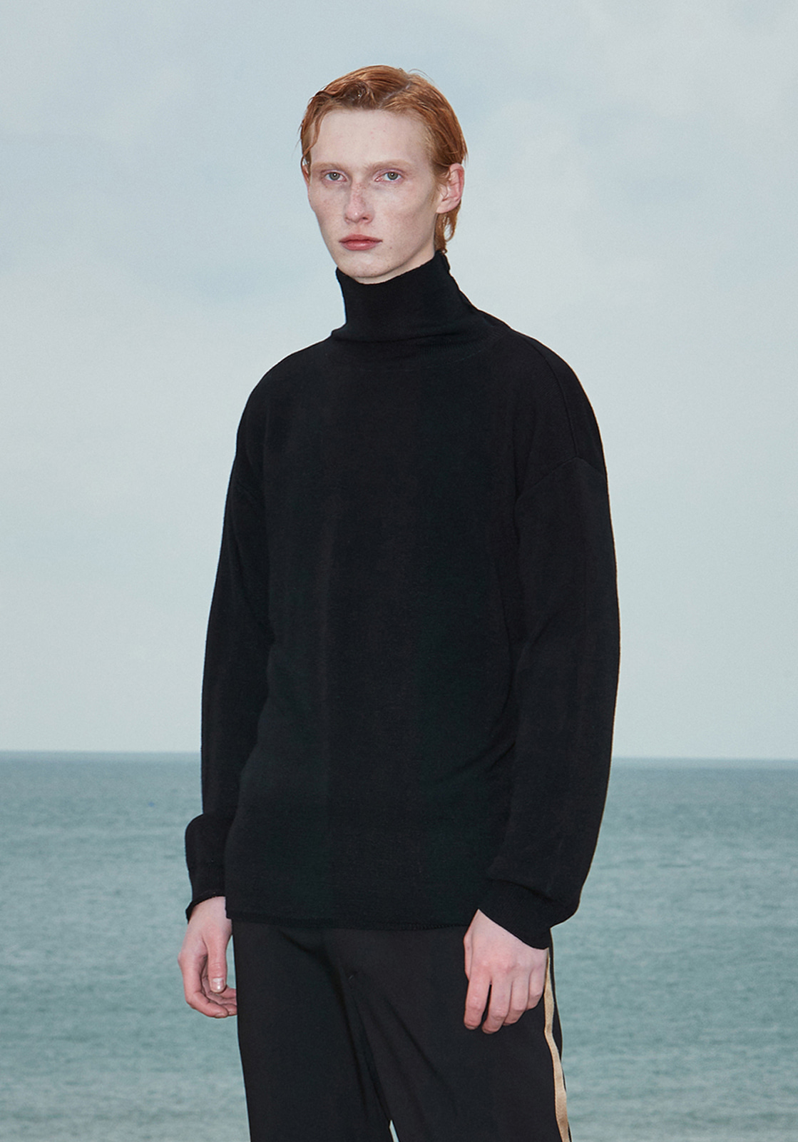 V574 BASIC OVERSIZE TURTLENECK KNIT  BLACK