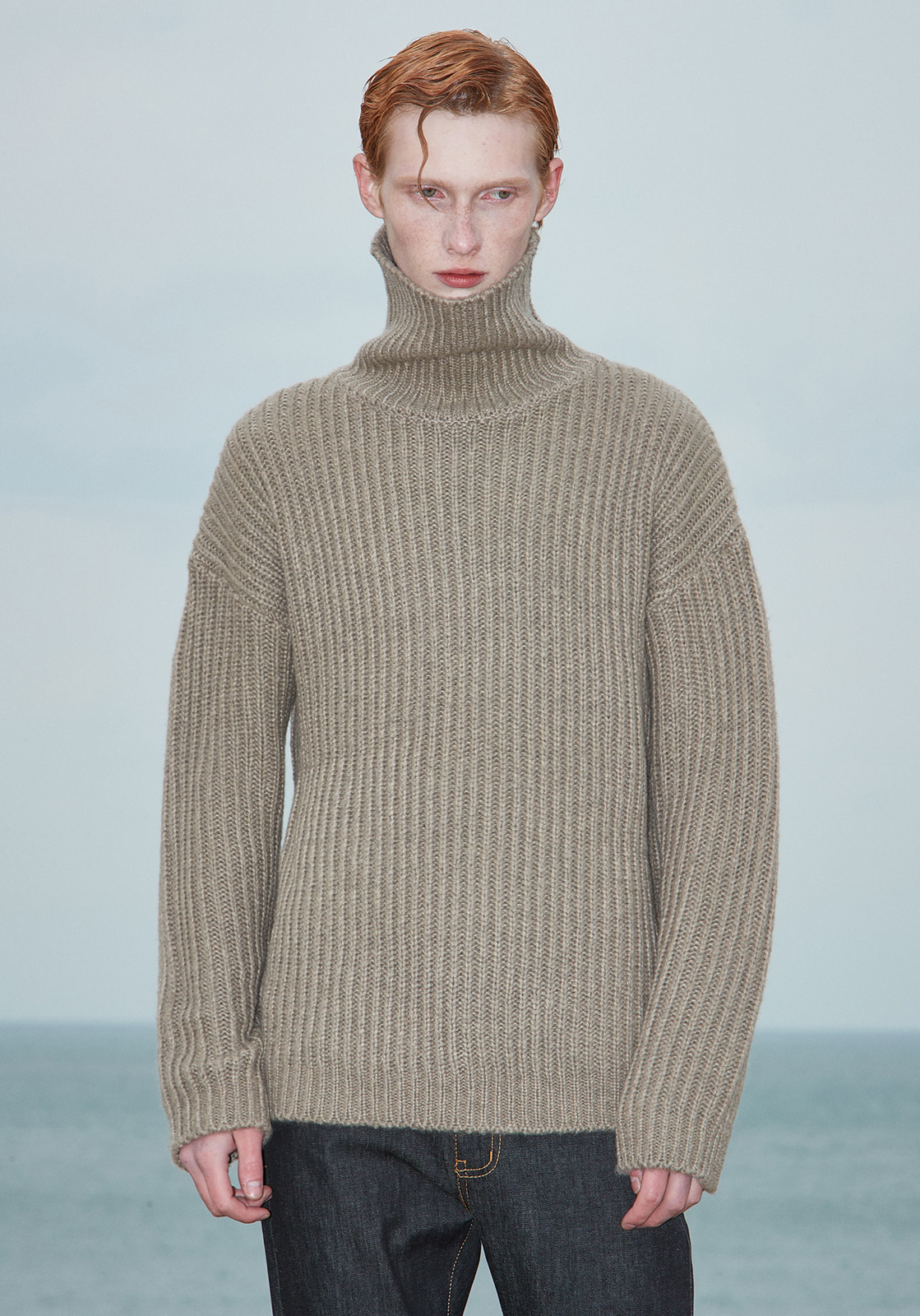 V573 HEAVY WOOL TURTLENECK KNIT  BEIGE