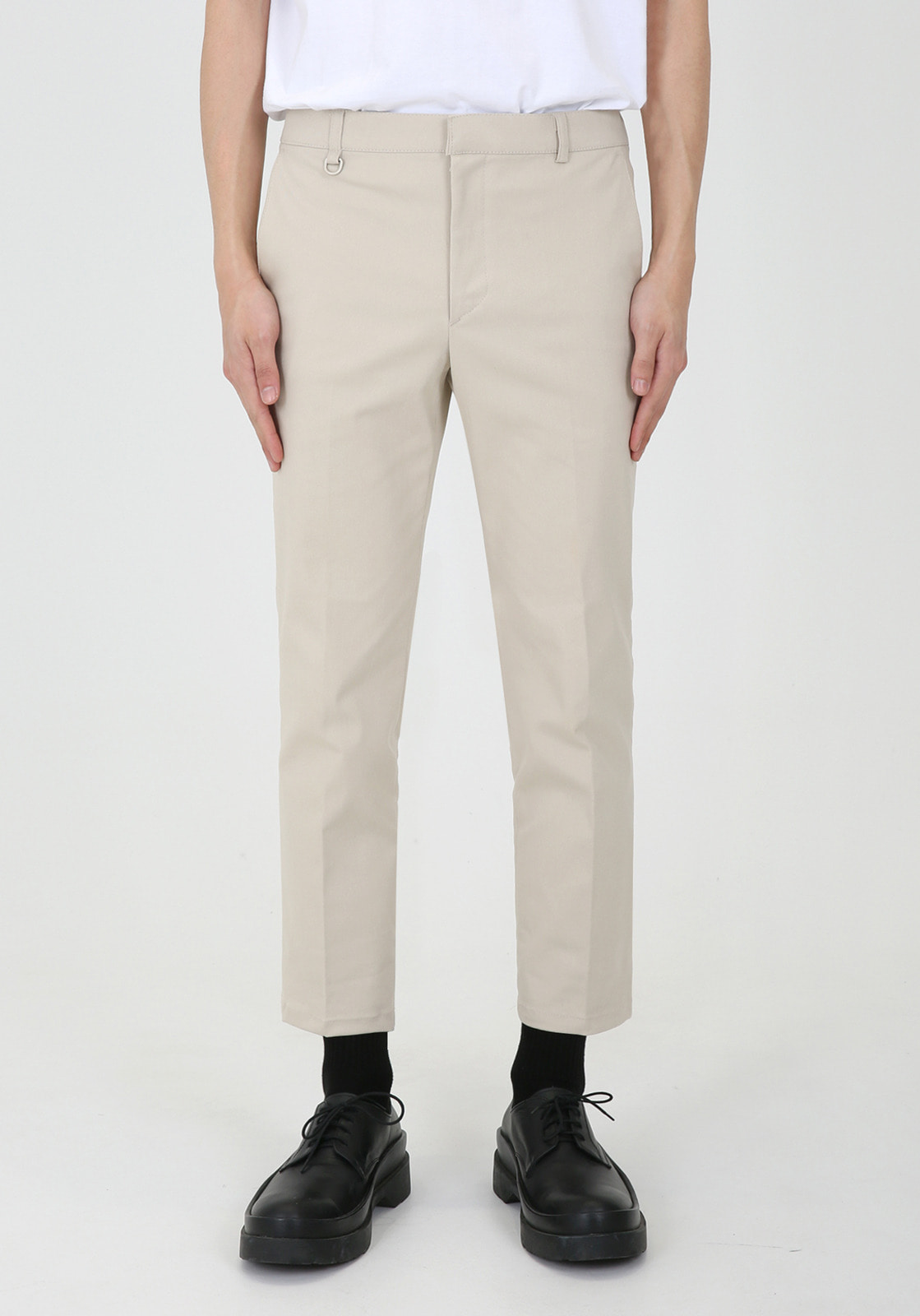 V311 JAMES BANDDING CROP CHINO PANTS  BEIGE