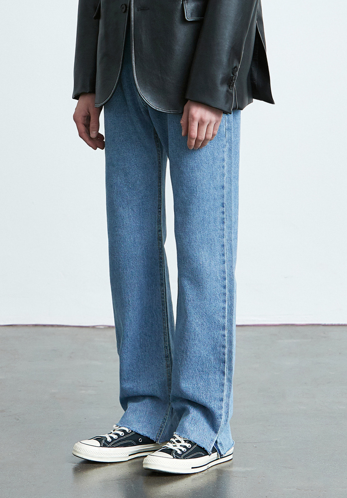 V019 SEMI WIDE FIT SLIT DENIM PANTS  LIGHT BLUE