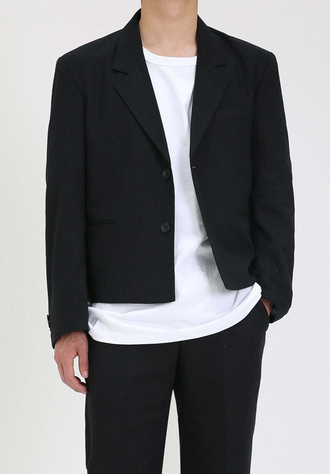 V023 LINEN CROP JACKET  BLACK